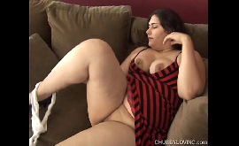 Buceta raspadinha da gorda peituda se masturbando