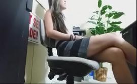Boquete no trabalho com câmera escondida