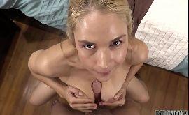 Novinha peituda gostosa no sexo amador