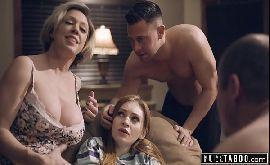 Sexo com troca de casais com coroa e parceiro seduzindo novinha