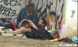 Flagras amadores moradores de rua fazendo orgia caiu na net