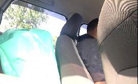 Pau duro amador louco pra bater uma punheta no carro