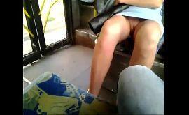 Vazou na net mulher no transporte publico sem calcinha