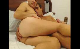 Sexo gay maduros se pegando na webcam