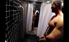Video de sexo gay gratis no banheiro da academia