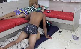 Esposa tesuda traindo o marido com o negão