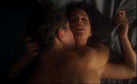 Bruna pelada em cena de sexo explícito fodendo