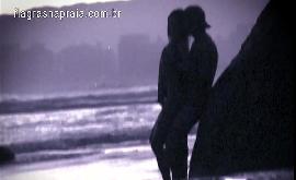 Mulher fazendo sexo na praia com ficante do tinder