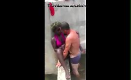 Sexo caiu na net da angolana dando pro turista