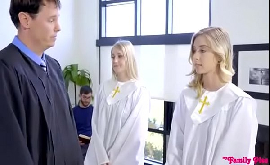 Sexo na igreja novinha crente safada fodendo