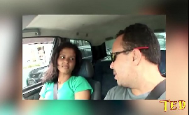 Fudendo a patroa gostosa dentro do carro