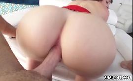 Sexo com bunda grande e natural da morena gordinha