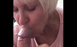 Boquete da tia loira que chupa gostoso demais