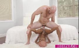 Xnxx anã fodendo com ator pornô bem dotado