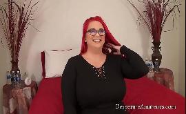 Comendo a gordona de cabelos vermelhos no pornô